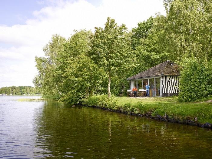 Vrijstaande bungalow op vakantiepark Beekse Bergen, visvakantie nederland