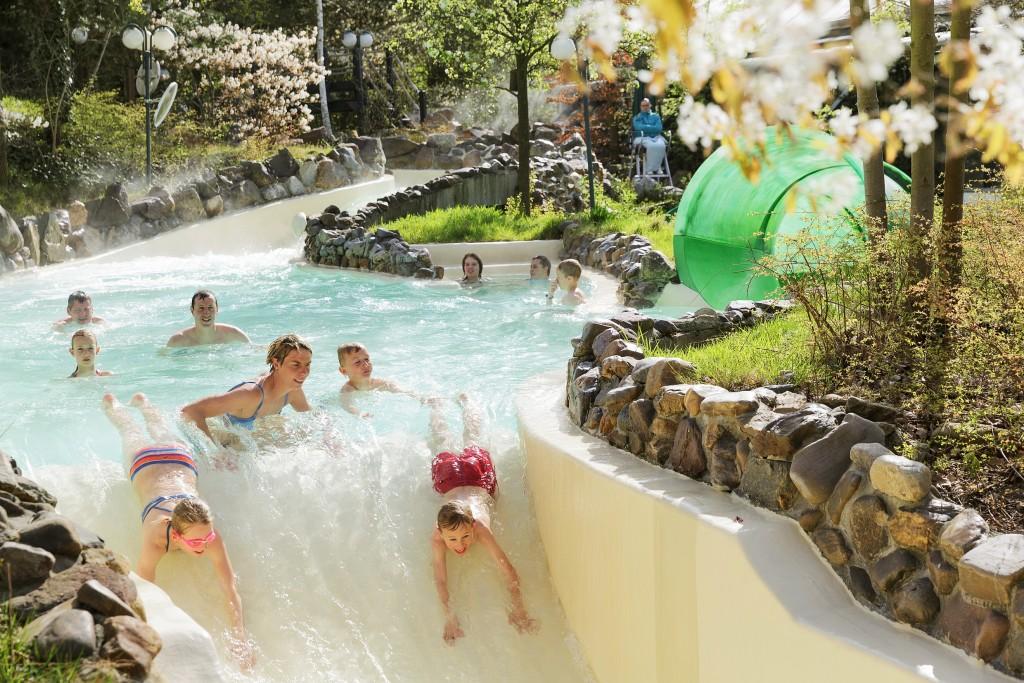 Mooie Zwembaden Nederland : Vakantiepark subtropisch zwembad nederland vakantieparken met