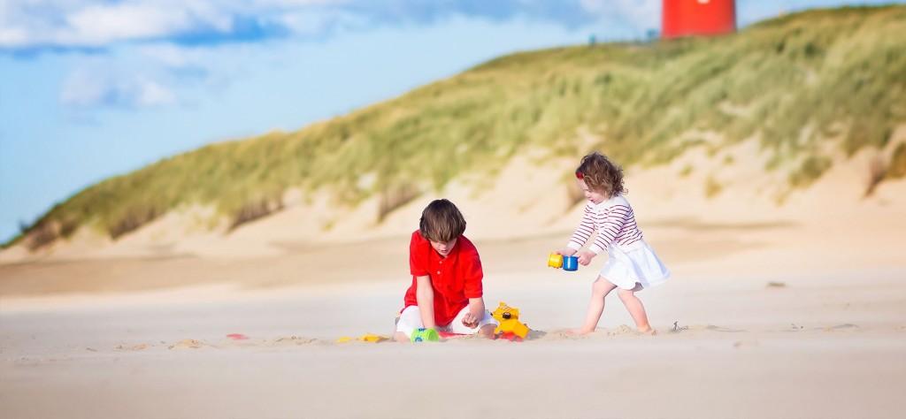 Kinderen op het strand