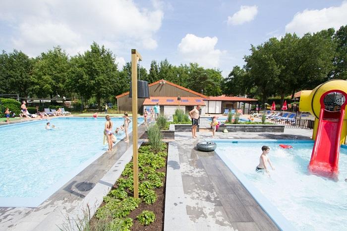 Buitenzwembad Vakantiecentrum De Ullingse Bergen