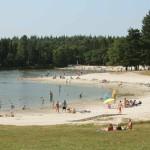 Strand aan recreatiemeertje