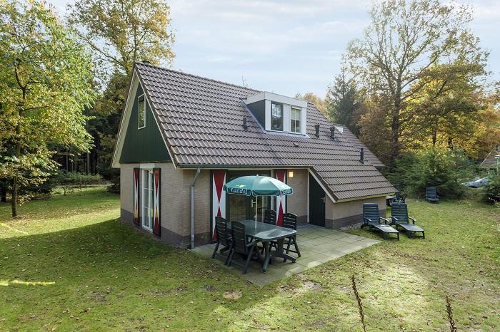 Vrijstaande bungalow met tuin en terras