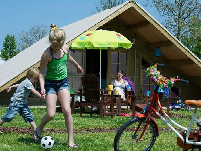 Voetballen op de camping
