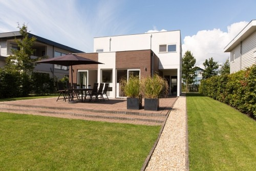 Vrijstaande villa met terras en tuin