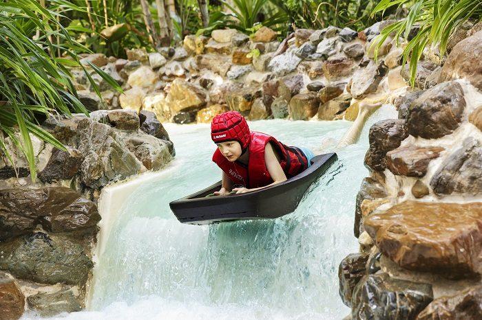 Subtropisch zwembad op vakantiepark
