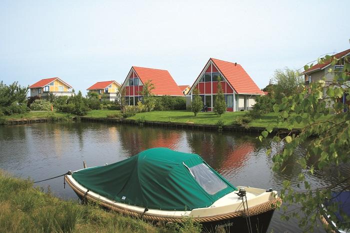 Vrijstaande bungalow aan het water