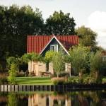 Vrijstaande bungalow aan het water op Vakantiepark het Timmerholt