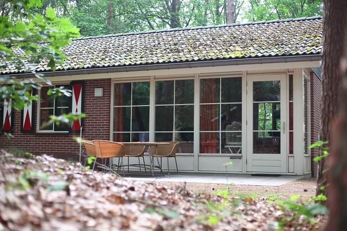 Vrijstaande bungalow op bospark de bikkels