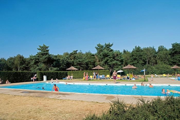 Buitenzwembad Landal De Veluwse Hoevegaerde