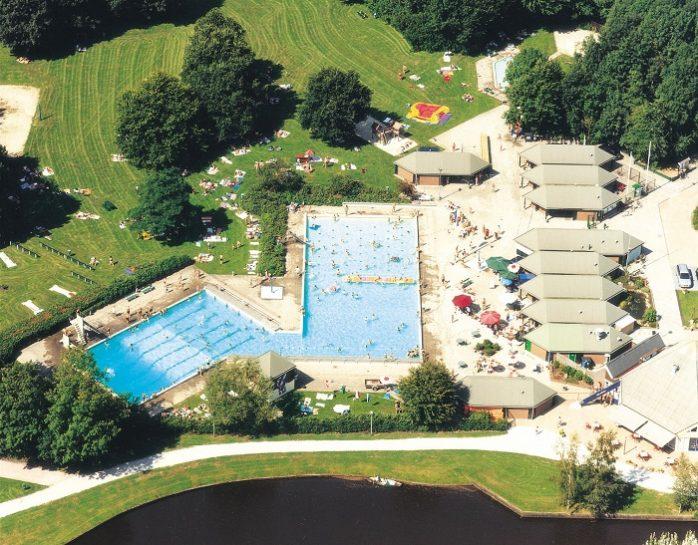 Hunzepark buitenzwembad