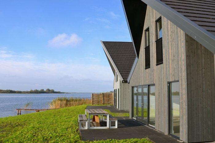 Villa met uitzicht over het water
