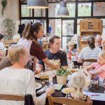 RCN La Ferme du Latios gezin in restaurant