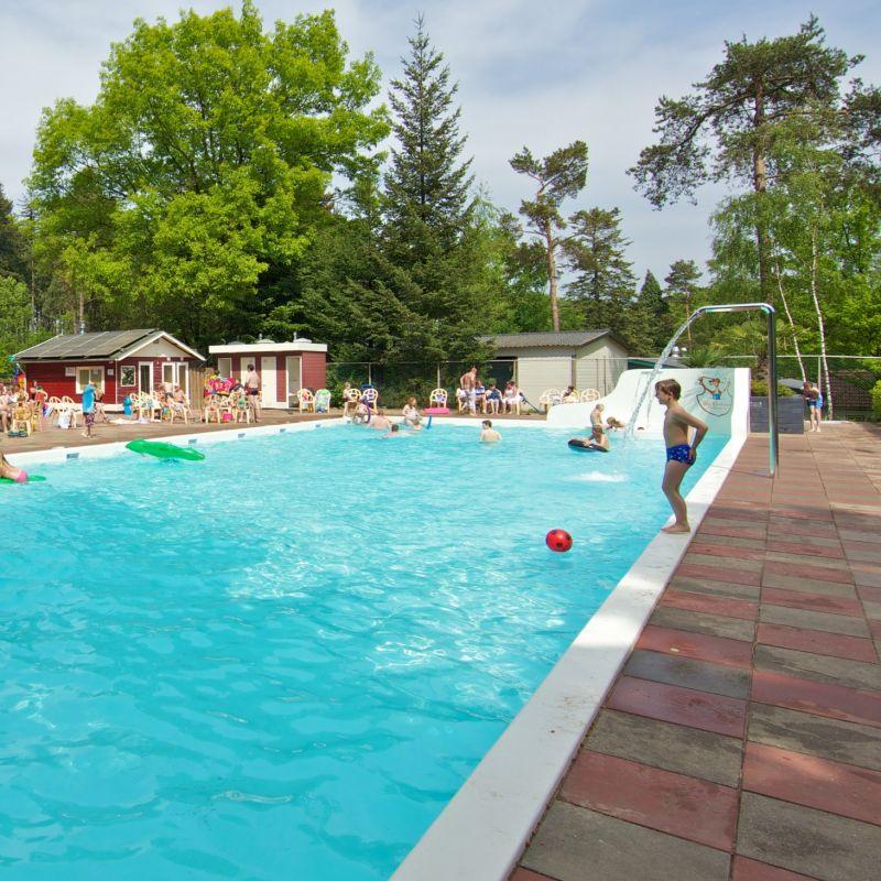 Buitenzwembad Vakantiepark Het Liederholt